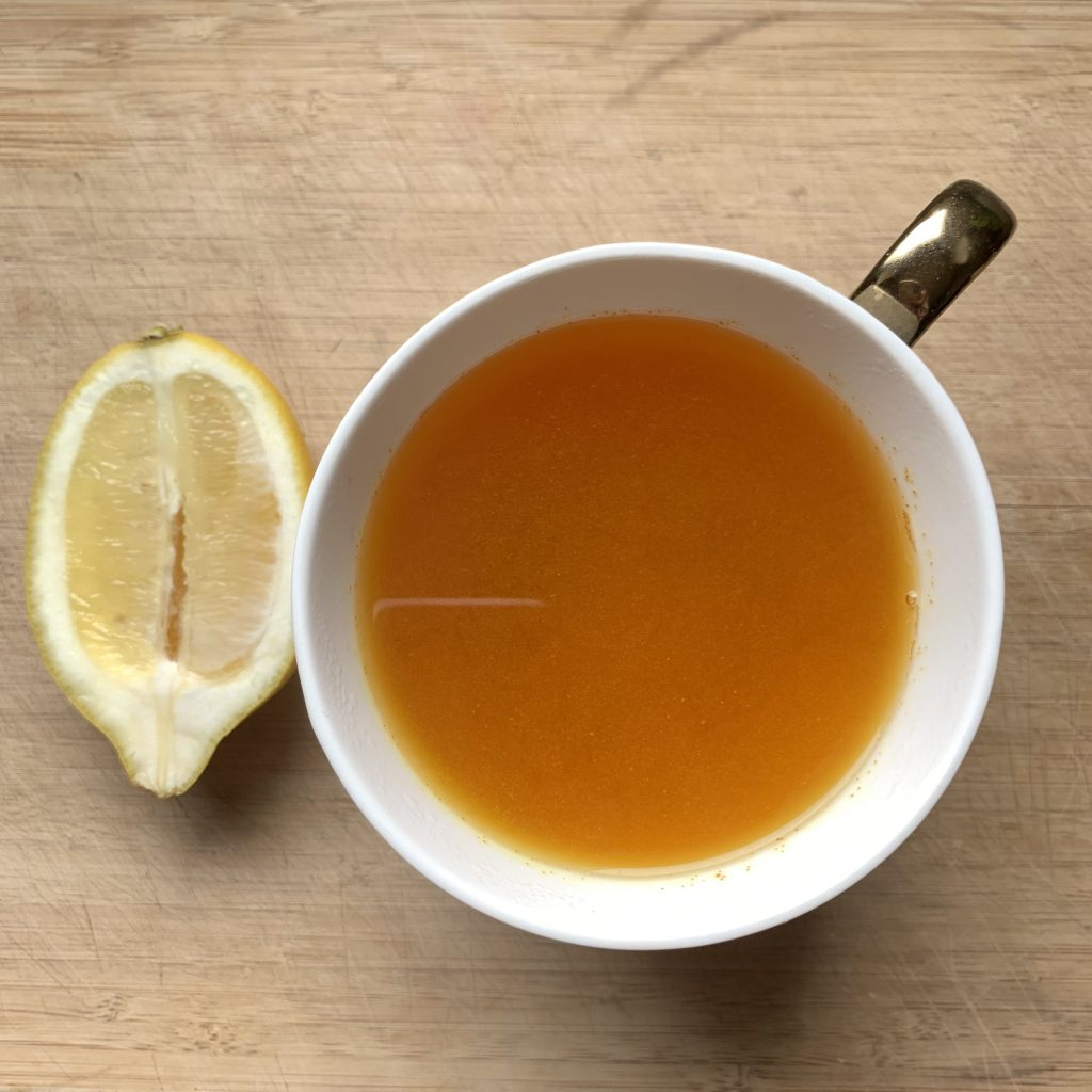 lemon honey and turmeric tea
